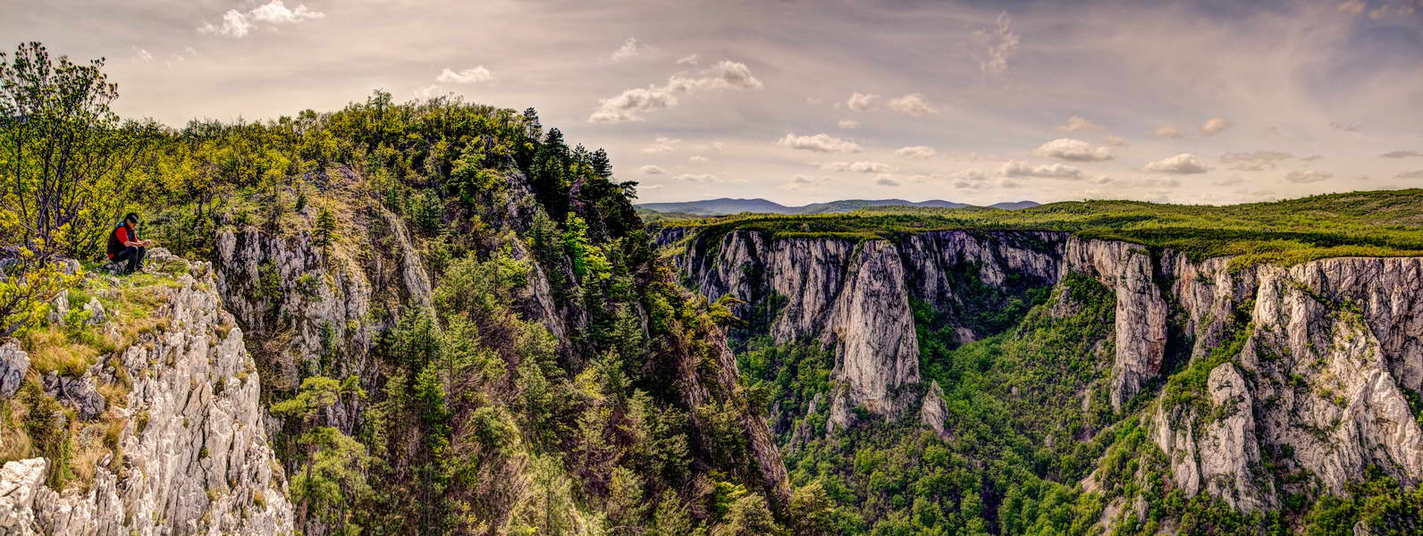 You can also have your picture on the famous Kovej scenic point - we\'ll take you there!