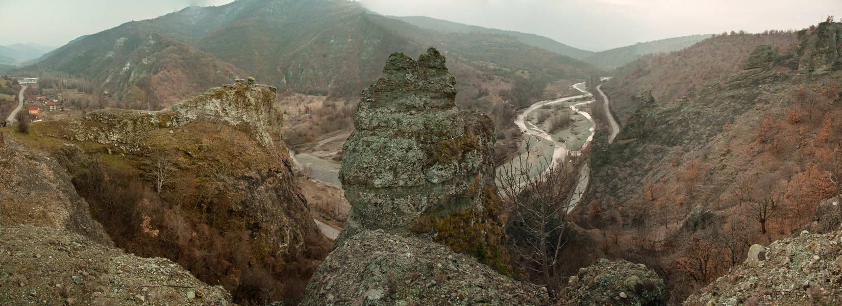 Dolina Pčinje sa Vražjeg kamena