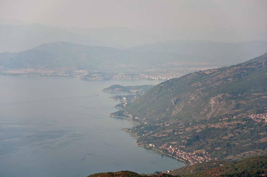 Pogled dobacuje čak do grada Ohrida