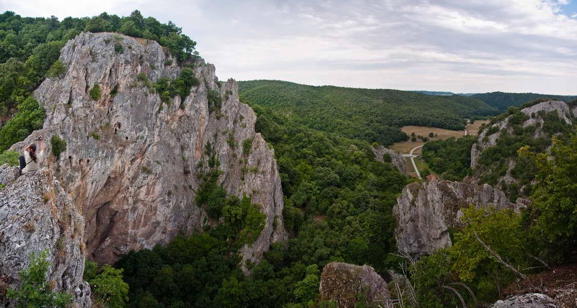 Sa vidikovca iznad kapija vidi se čitava dolina
