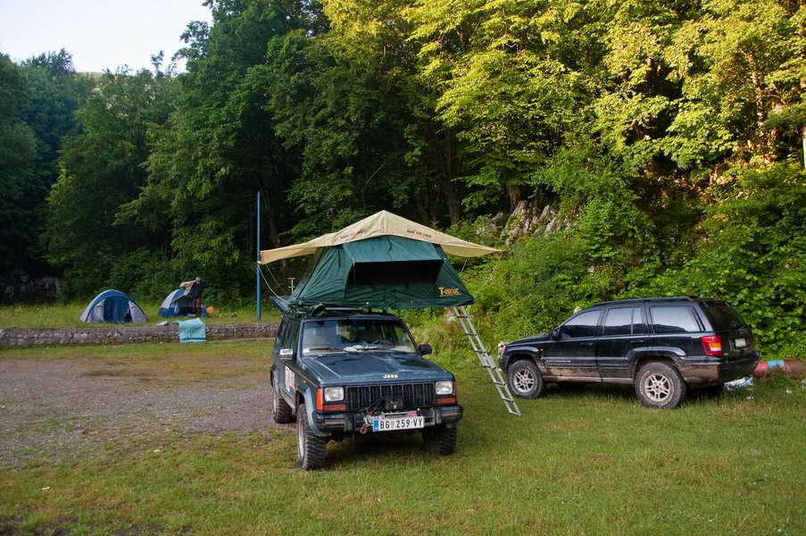 Jutro u kampu pred Rajkovom pećinom