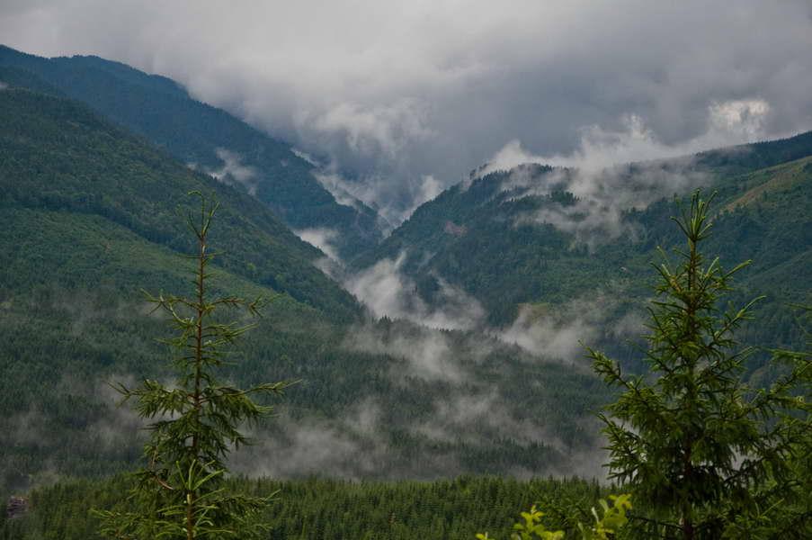 Oblaci nad dolinom reke Žiec