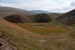 Jedno od brojnih planinskih jezeraca na Carkuu