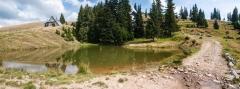 Jezero kod planinarskog doma ispod Carkua