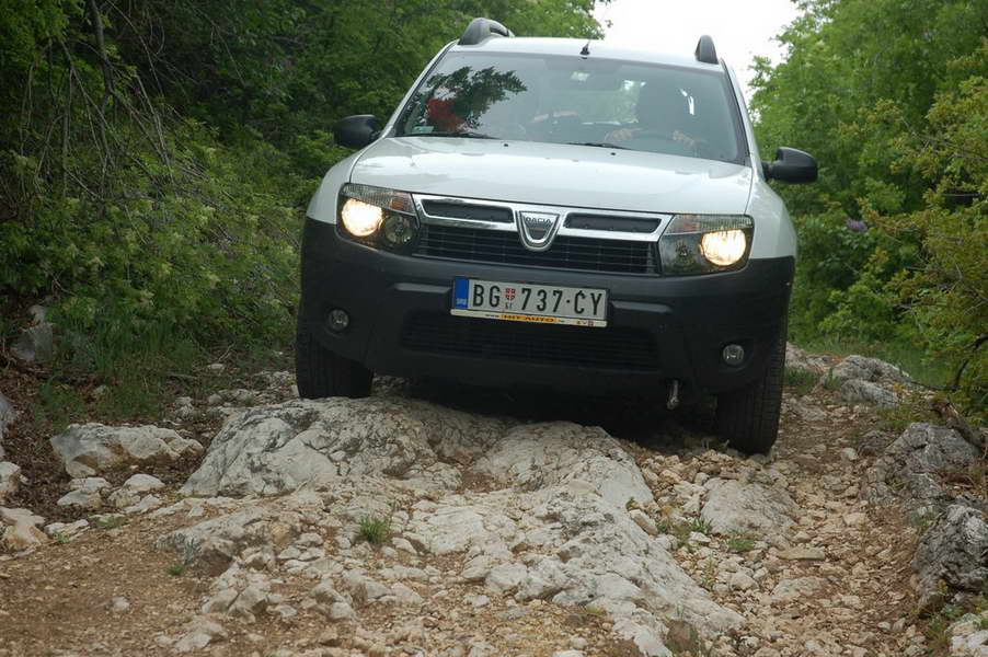 The rocky road to Kovej is maybe a little bit too much for the Duster...