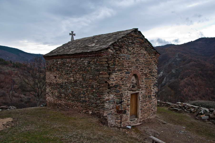 Ukleta crkvica na Vražjem kamenu
