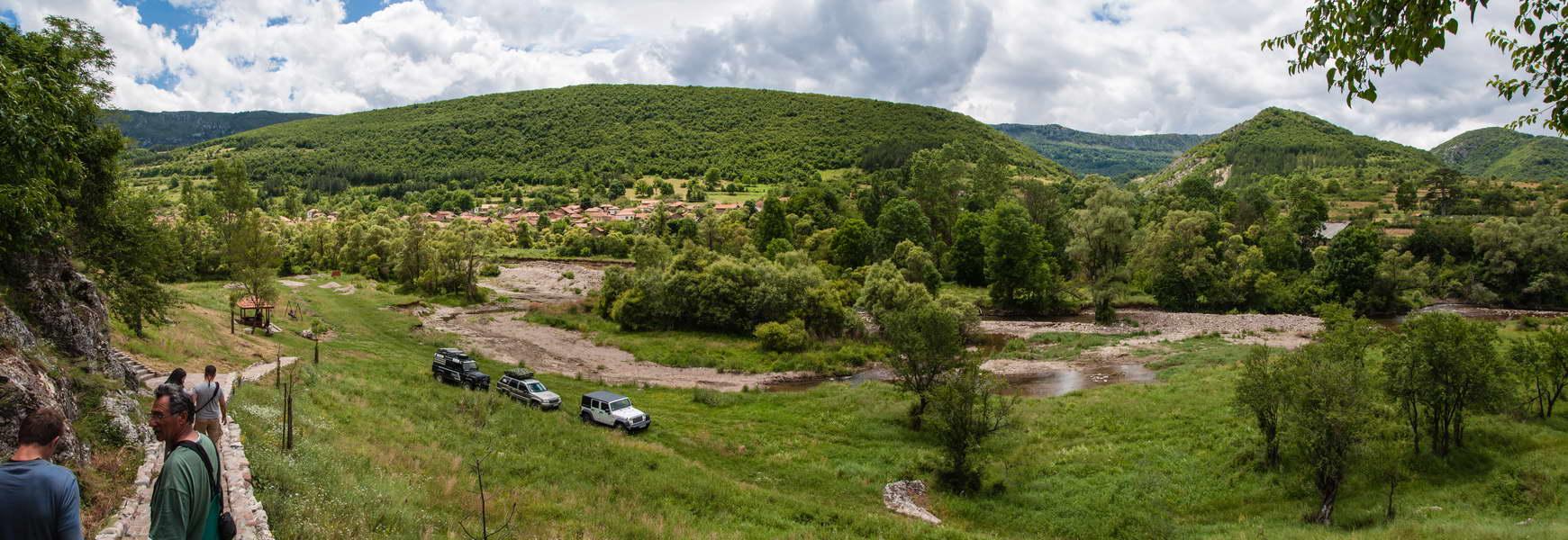 Panorama visočice i Rsovaca od crkve